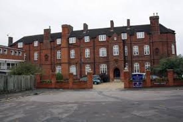 Chafyn Grove School, England
